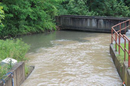 Les eaux du Croult chargées en matière en suspension se déversant dans la Morée